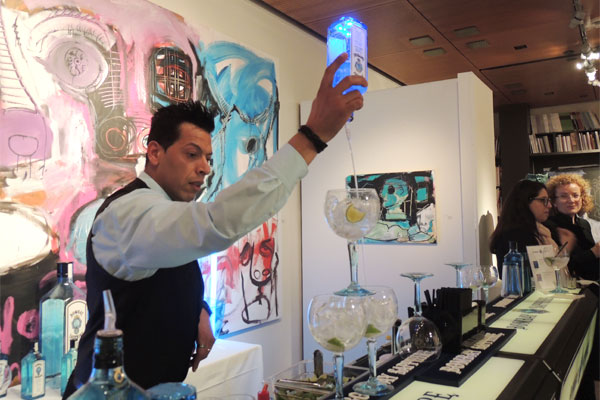 Event at an art gallery with portale bar