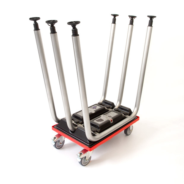 Skater for to portable bars with legs fixed on the trolley